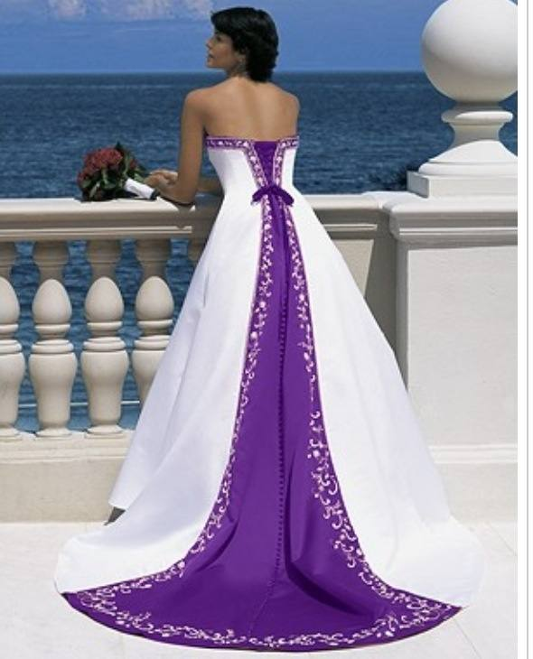Purple And White Wedding Dresses Strapless Real Sample Lace Appliques Bridal  Gowns With Beading Handmade Flowers Gothic Black And White Wear Formal Ball