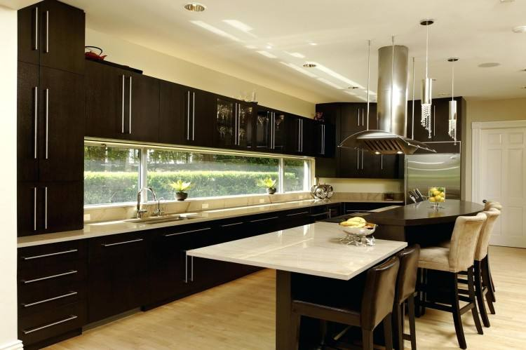 Angled end cabinets