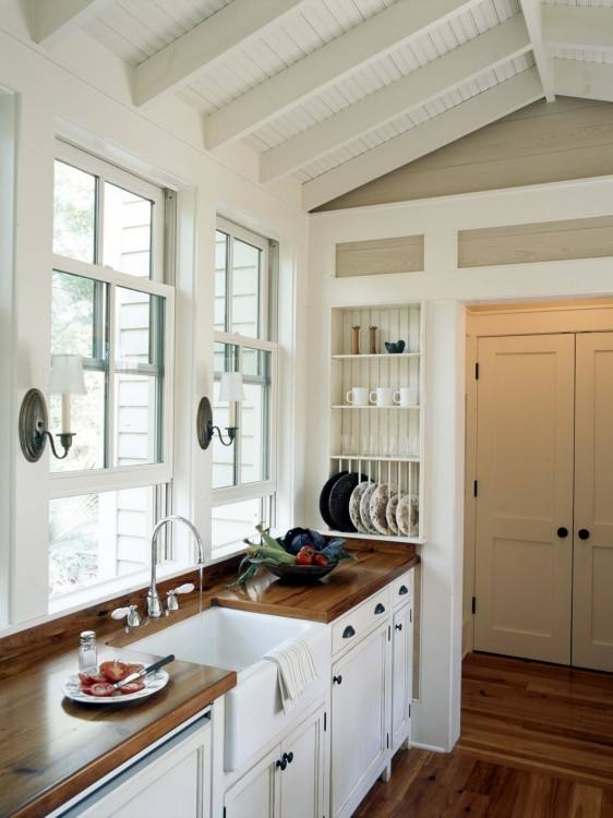 26 Ways to Create a French Country Kitchen country kitchen cupboard  ideas