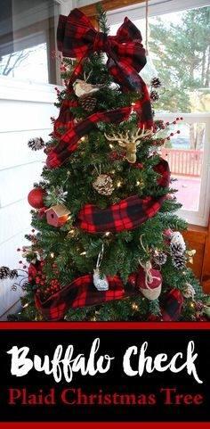 Marquee Christmas Tree Tutorial   Christmas Decorating Ideas   Craftaholicsanonymous
