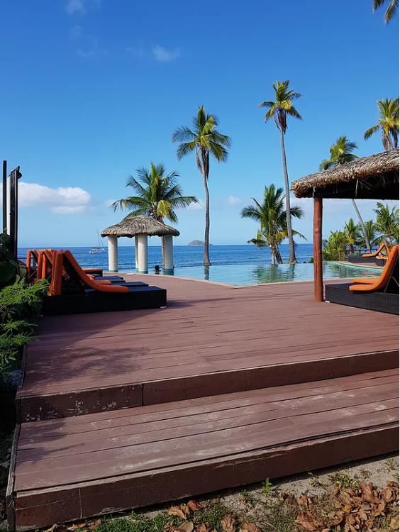 tokoriki island dive resort fiji beach lunch
