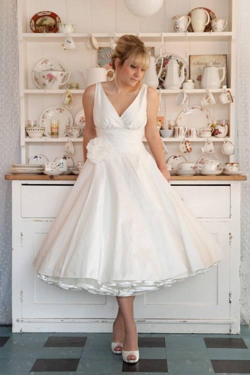 We also make wedding dresses, evening dresses, ect
