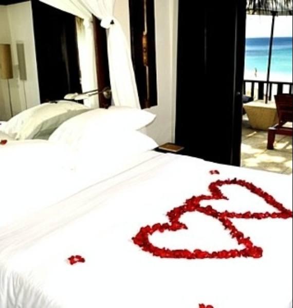 romantic valentines day bedroom
