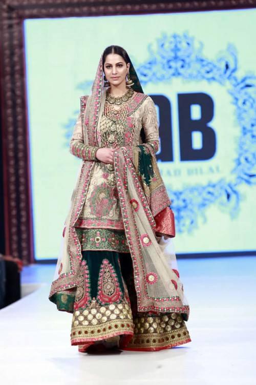 Top 10 Famous Celebrity Wedding Dresses Trends