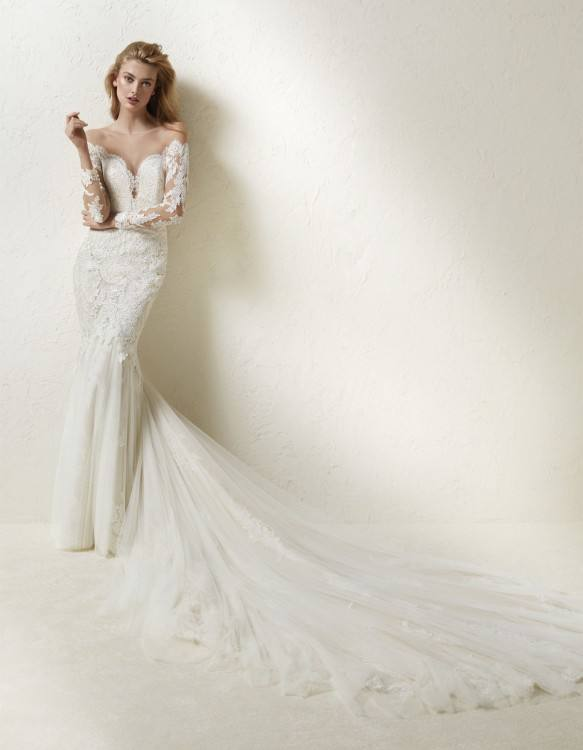2017 Bridal Collection from Pronovias Lace Wedding Dress from Atelier  Pronovias's 2017 Bridal Collection '