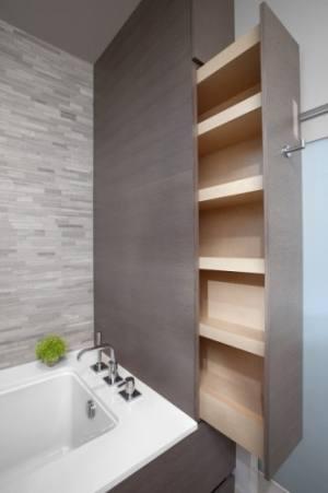 Small Dark BathroomSmall