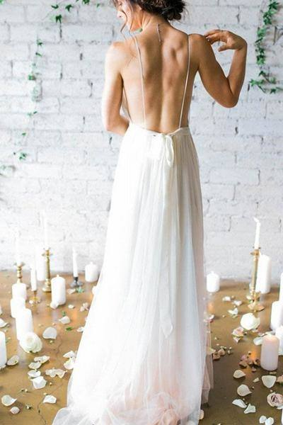 Qty: Flowy Chiffon Wedding Dress