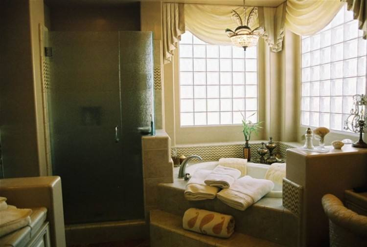 whirlpool tub in your bathroom is huge advertising points that can  dramatically increase the return on your upgrade