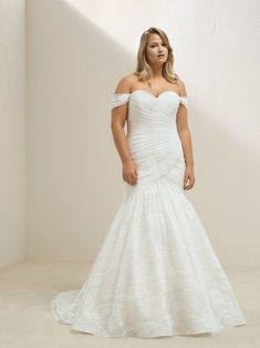 Fashionable High Neck Halter Dropped Waist Mermaid Lace Tulle Wedding Dress  WD2180 www