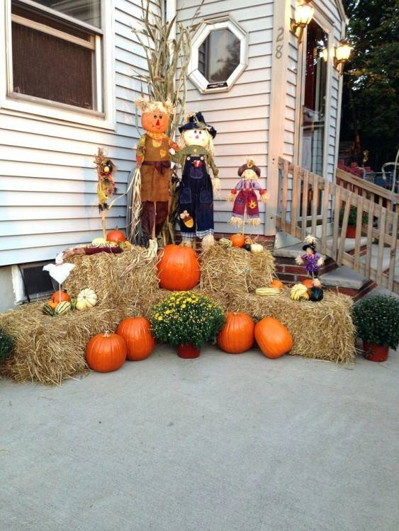Use Outside Fall Decorating Ideas and Give Guests a Warm Welcome