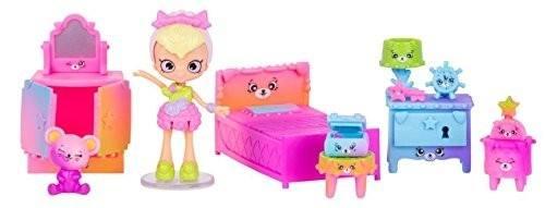 com: Shopkins Happy Places Rainbow Beach House Playset: Toys & Games