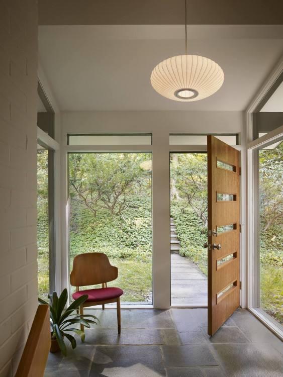 File#223701600484: Extraordinary Split Foyer Design 2006GA
