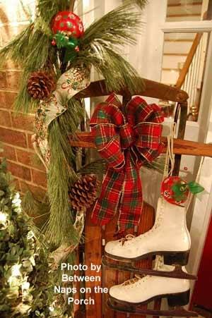 Old world #Santa and Christmas tree